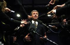 <p>Conservative leader and Canada's Prime Minister Stephen Harper delivers a statement to journalists in Winnipeg, Manitoba October 9, 2008. Canadians will head to the polls in a federal election October 14. REUTERS/Chris Wattie</p>