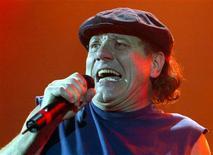 <p>Il cantante della rock band australiana AC/DC, Brian Johnson. REUTERS/Toby Melville</p>