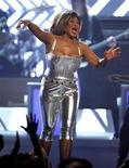 <p>Tina Turner performs at the 50th Annual Grammy Awards held in Los Angeles, California February 10, 2008. REUTERS/Mike Blake</p>