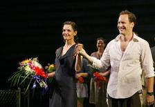 "<p>Actress Katie Holmes stands on stage with actor Patrick Wilson on the opening night of the play ""All My Sons"" in New York October 16, 2008. REUTERS/Lucas Jackson</p>"