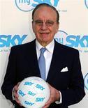 <p>Rupert Murdoch nella sede generale di Sky Italia, a Roma, in un'immagine d'archivio. REUTERS/Ferdinando Mezzelani-GMT/Handout</p>