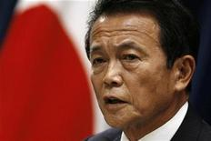 <p>Newly elected Japanese Prime Minister Taro Aso announces his cabinet members during his first news conference at his official residence in Tokyo September 24, 2008. REUTERS/Toru Hanai</p>