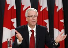 <p>Stephane Dion speaks during a news conference to announce he will resign as leader of the Liberal party in Ottawa October 20, 2008. REUTERS/Chris Wattie</p>