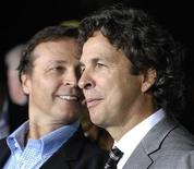 "<p>Peter Farrelly (R) and his brother Bobby, co-directors of the film ""The Heartbreak Kid"", arrive at the premiere of the film in Los Angeles September 27, 2007. REUTERS/Chris Pizzello</p>"