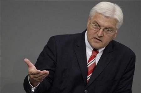 German Foreign Minister Frank-Walter Steinmeier delivers a speech during a session of the German lower house of parliament 'Bundestag' in Berlin, November 4, 2008. REUTERS/Tobias Schwarz