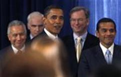 <p>Новоизбранный президент США Барак Обама вместе с советниками по экономике на пресс-конференции в Чикаго 7 ноября 2008 года. Новоизбранный президент США Барак Обама в пятницу на первой пресс-конференции в новой должности заявил, что Соединенные Штаты оказались перед лицом огромных экономических трудностей, и обещал немедля приступить к борьбе с кризисом после инаугурации в январе. (REUTERS/Carlos Barria)</p>