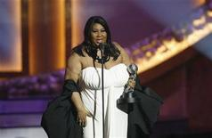 <p>Singer Aretha Franklin accepts the Vanguard Award at the 39th Annual NAACP Image Awards at the Shrine auditorium in Los Angeles February 14, 2008. REUTERS/Mario Anzuoni</p>