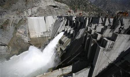 A general view of a newly inaugurated 450-megawatt hydropower project located at Baglihar Dam on the Chenab river which flows from Indian Kashmir into Pakistan, is seen at Chanderkote, about 145 km (90 miles) north of Jammu October 10, 2008. REUTERS/Amit Gupta
