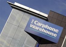 <p>Carphone Warehouse, première chaîne indépendante de distribution de téléphones portables en Europe pourrait se séparer de son activité télécoms à l'occasion de la publication de résultats semestriels conformes aux attentes. /Photo prise le 10 octobre 2008/ REUTERS/Toby Melville</p>