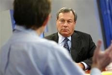 <p>Jeff Kindler, chairman and chief executive officer of Pfizer, speaks at the Reuters Health Summit in New York November 20, 2008. REUTERS/Brendan McDermid</p>