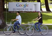 <p>People ride their bikes past Google Inc. headquarters in Mountain View, California, May 8, 2008. REUTERS/Kimberly White</p>
