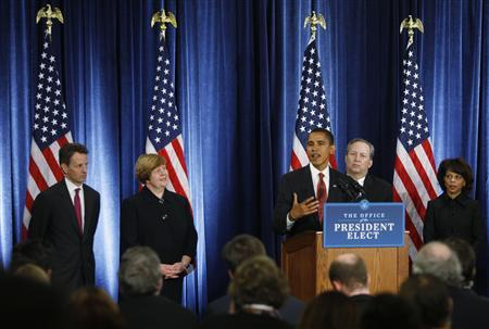 President-elect Barack Obama (3rd R) unveils his economic policy team during a news conference in Chicago, November 24, 2008. REUTERS/John Gress