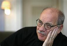 <p>Director Paul Schrader speaks with a journalist in Stockholm November 19, 2007. REUTERS/Bob Strong</p>