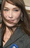 <p>La first lady francese Carla Bruni-Sarkozy. REUTERS/Philippe Wojazer (FRANCE)</p>