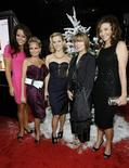 """<p>Elenco da comédia """"Four Christmases"""" durante cerimônia de lançamento em Hollywood.REUTERS/Mario Anzuoni</p>"""