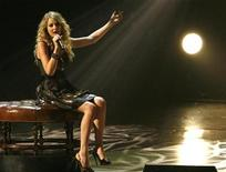"<p>Taylor Swift performs ""I'm Sorry"" at ""The Grammy Nominations Concert Live! Countdown to Music's Biggest Night"" in Los Angeles December 3, 2008. REUTERS/Mario Anzuoni</p>"