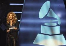 "<p>Singer Celine Dion announces the nominees for Album of the Year at ""The Grammy Nominations Concert Live!: Countdown to Music's Biggest Night"" in Los Angeles, December 3, 2008. REUTERS/Mario Anzuoni</p>"