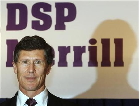 Merrill Lynch Chief Executive Officer, John Thain, poses before a news conference in Mumbai May 7, 2008. REUTERS/Punit Paranjpe