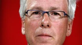 <p>Liberal leader Stephane Dion listens to a question during a news conference in Ottawa August 19, 2008. REUTERS/Chris Wattie</p>