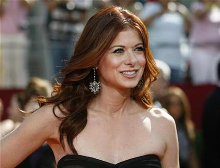 Debra Messing arrives at the 60th annual Primetime Emmy Awards in Los Angeles September 21, 2008. REUTERS/Mario Anzuoni