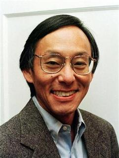 Steven Chu smiles at his home on the Stanford Campus in this 1997 file photo. REUTERS/Lou Dematteis/Files