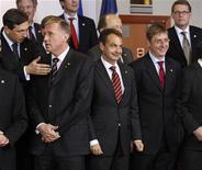 <p>Alcuni leader europei in una immagine di ieri. REUTERS/Yves Herman</p>