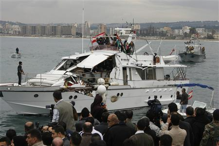 ''Dignity'', a boat damaged by an Israeli naval ship, arrives at the port city of Tyre in south Lebanon December 30, 2008. REUTERS/Ali Hashisho