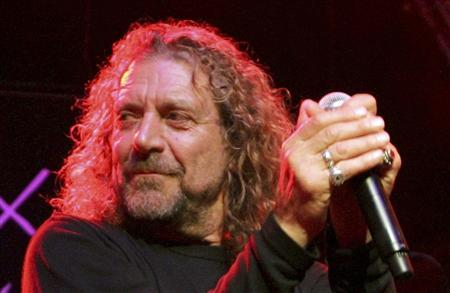 Singer Robert Plant performs during the ''Hommage a Ahmet Ertegun'' show at the 40th Montreux Jazz festival in Montreaux in this June 30, 2006 file photo. REUTERS/Dominic Favre