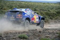 <p>Mark Miller of the U.S. competes in his Volkswagen during the sixth stage of the South American edition of the Dakar 2009 from San Rafael to Mendoza, January 8, 2009. REUTERS/Paulo Paez</p>