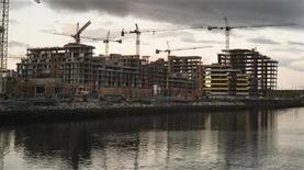 <p>The Athletes Village for the upcoming 2010 Olympic Winter Games is shown under construction in Vancouver, British Columbia October 7, 2008. REUTERS/Andy Clark</p>