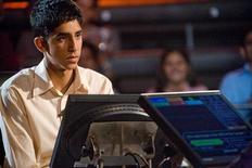 """<p>Foto publicitaria del actor Dev Patel en una escena de """"Slumdog Millionaire"""". REUTERS/Fox Searchlight Pictures</p>"""