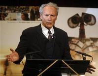 "<p>Clint Eastwood accepts the award for Best Actor in ""Gran Torino"" at the National Board of Review Awards Gala in New York January 14, 2009. REUTERS/Shannon Stapleton</p>"