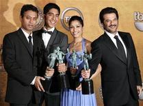 """<p>I cast di """"The Millionaire"""" alla 15esima edizione dei Sag award. REUTERS/Danny Moloshok (UNITED STATES)</p>"""