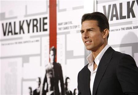 Tom Cruise poses at the premiere of the movie ''Valkyrie'' at the Directors Guild of America in Los Angeles, December 18, 2008. REUTERS/Mario Anzuoni