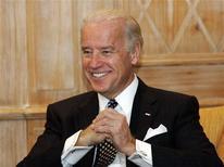 <p>Вице-президент США Джо Байден на международной конференции по безопасности в Мюнхене 7 февраля 2009 года. США продолжат разработку программы противоракетной обороны, но проведут консультации с партнерами по НАТО и Россией, сказал в субботу вице-президент США Джо Байден, выступая на международной конференции по безопасности в Мюнхене. REUTERS/Michaela Rehle (GERMANY)</p>