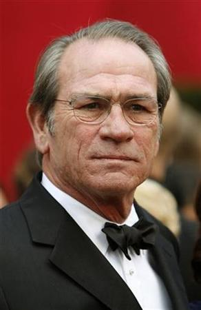 Tommy Lee Jones, nominated for best actor for ''In the Valley of Elah'', arrives at the 80th annual Academy Awards, the Oscars, in Hollywood February 24, 2008. REUTERS/Lucas Jackson