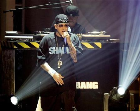 Rap artist Eminem performs during the 2006 BET Awards at the Shrine Auditorium in Los Angeles, June 27, 2006. REUTERS/Mario Anzuoni