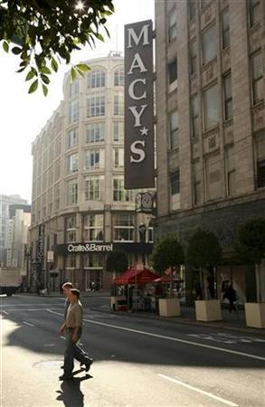 A Macy's department store is seen in San Francisco, California February 2, 2009. REUTERS/Robert Galbraith