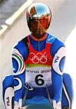 <p>Immagine d'archivio dell'atleta azzurro dello slittino Armin Zoeggler . REUTERS/Jean-Paul Pelissier</p>