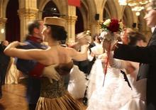 "<p>Dancers enjoy the ""Moskau-Ball"" (Moscow ball) at Vienna's city hall February 12, 2009. REUTERS/Sarah Marsh</p>"