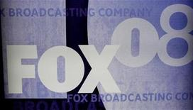 <p>The Fox logo is pictured on signage at the Fox TV network summer press tour in Beverly Hills, California July 14, 2008. REUTERS/Fred Prouser</p>