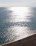 <p>Пляж в Анталье 8 января 2007 года. Мощный взрыв прогремел в субботу в курортном городе Анталья в Турции, сообщает государственное информационное агентство Anatolian News. REUTERS/Fatih Saribas</p>