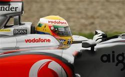 <p>Piloto da McLaren Lewis Hamilton durante teste em Jerez, na Espanha. 04/03/2009. REUTERS/Marcelo del Pozo (ESPANHA)</p>