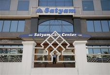 <p>Satyam Computer Services, le groupe de services informatiques indien qui a failli être emporté par une affaire de fraude comptable révélée en début d'année, a lancé le processus visant à vendre 51% des parts de la société. /Photo d'archives/REUTERS/Krishnendu Halder</p>