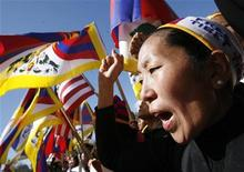 <p>Dimostranti pro Tibet a Washington. REUTERS/Jim Young (UNITED STATES RELIGION POLITICS CONFLICT)</p>