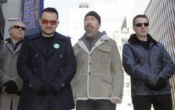 <p>O novo álbum do U2 está a caminho de superar as previsões da indústria, com quase meio milhão de cópias vendidas em sua primeira semana nas lojas dos Estados Unidos. REUTERS/Gary Hershorn (ESTADOS UNIDOS)</p>