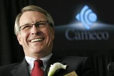 <p>President and CEO of Cameco Jerry Grandey speaks to reporters after the annual general meeting in Saskatoon, Saskatchewan, May 16, 2007. REUTERS/Dave Stobbe</p>