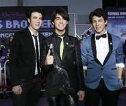 """<p>Quase duas semanas depois da estreia do filme da Disney """"Jonas Brothers 3D: O Show"""", o grupo revelou as datas de sua turnê mundial. A turnê passará pela América do Sul no meio de maio e pelo o Reino Unido e a Europa no começo de junho. REUTERS/Mario Anzuoni</p>"""