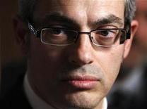 <p>Industry Minister Tony Clement speaks to journalists in the foyer of the House of Commons on Parliament Hill in Ottawa February 2, 2009. REUTERS/Chris Wattie</p>