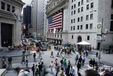 <p>Pedestrians walk past the outside of the New York Stock Exchange in New York's financial district September 16, 2008. REUTERS/Lucas Jackson</p>